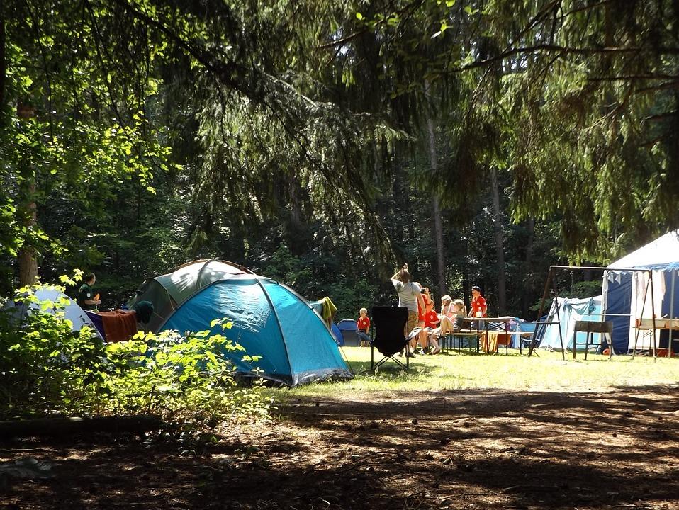 Combien coûte un emplacement de tente dans un camping ?