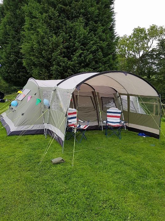 Comment avoir la télé dans une tente de camping ?