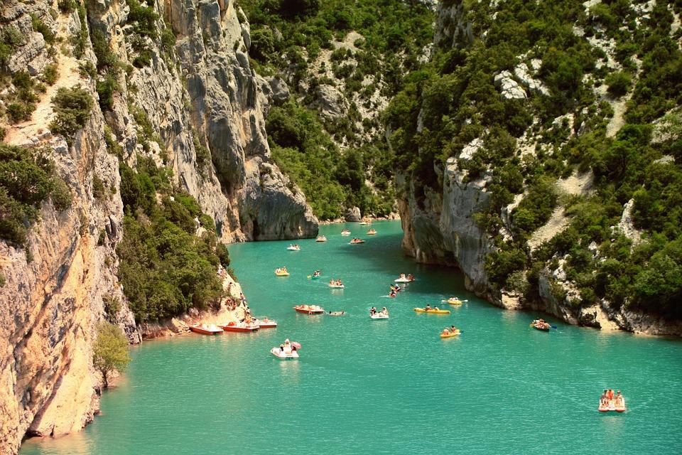 Un camping en Ardèche près de Vallon Pont d'Arc