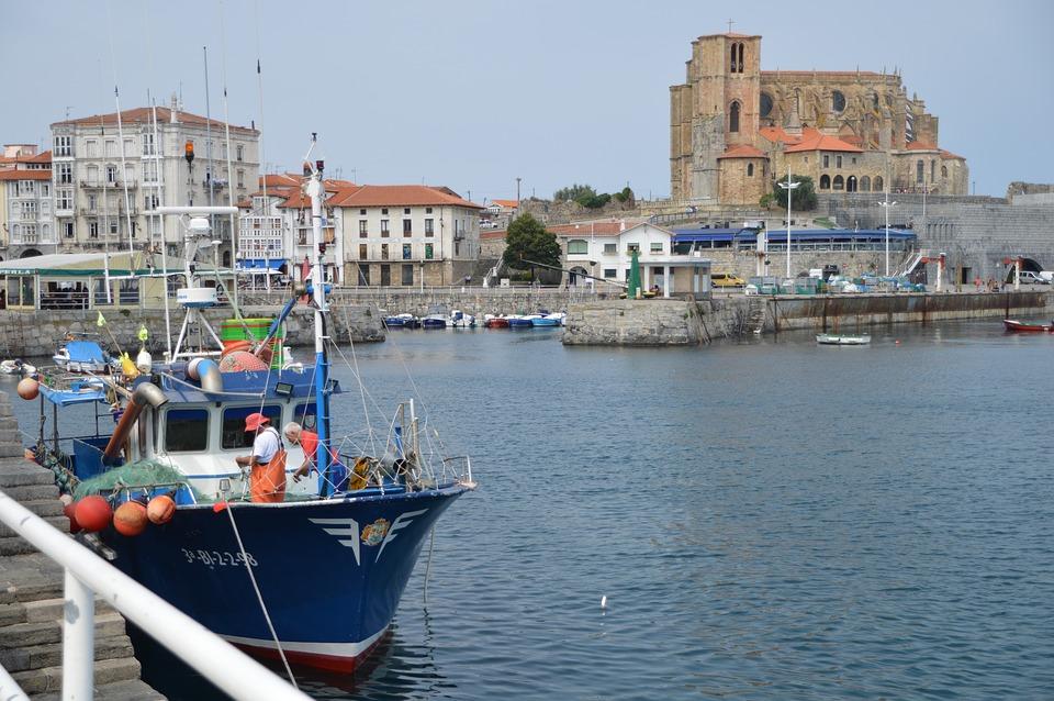 Découvrir la côte basque à travers un camping pas cher