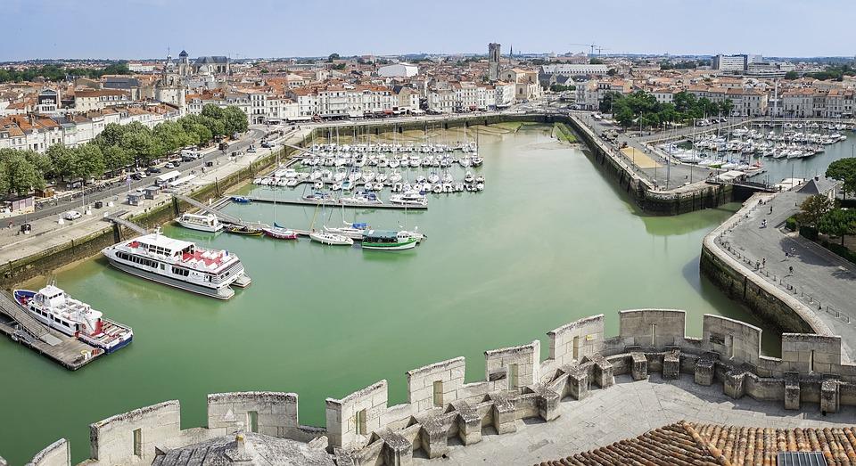 Profitez d'un séjour reposant dans un camping ouvert à l'année en Charente Maritime à La Rochelle